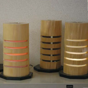 北山丸太によるLED照明「京のこもれ灯」
